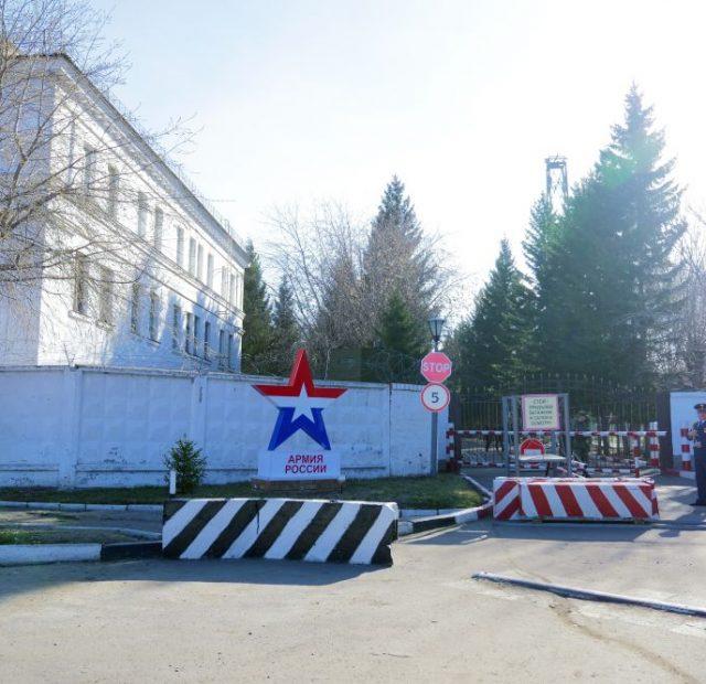 2019.04.20-Osvyashhenie-znameni.-16-Voennyj-gorodok-1